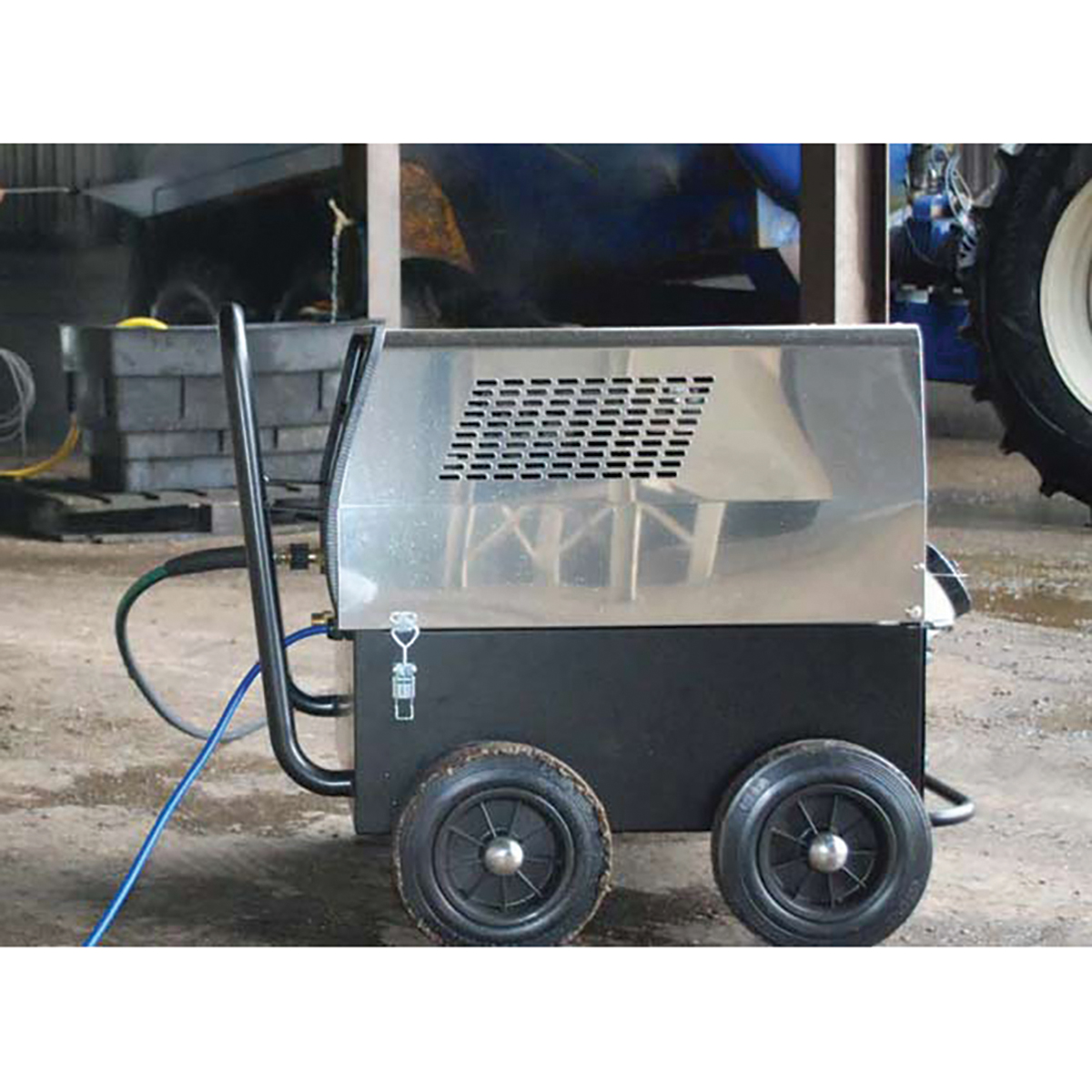 Hot Box Pressure Washer/Steam Heater - 240v only